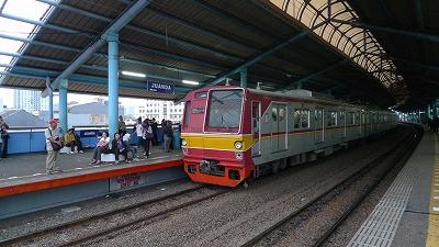 ジャカルタ,電車