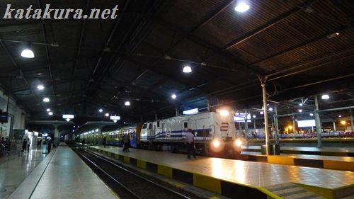 バンドン駅,インドネシア,ジャカルタ,バンドン