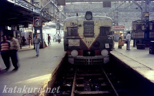 カルカッタ,コルコタ,通勤列車