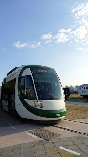 高雄LRT,軽軌,CAF,トラム,高雄市,スペイン